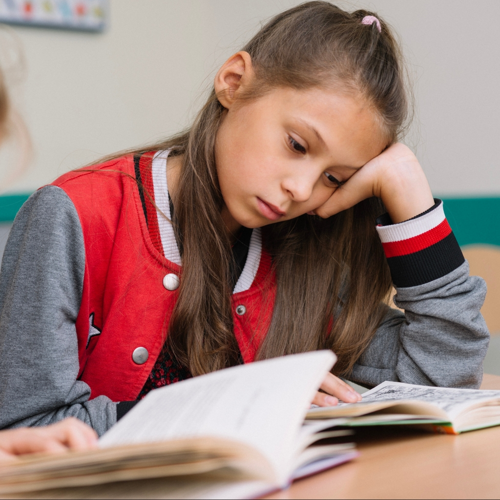 Criança com Isolamento social